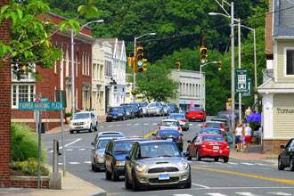 This scenic town wins awards with the quality of its school system. Photo: Greatschools.org